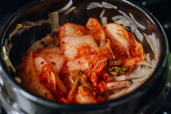 essays on kimchi Kimchi offers many benefits such as smooth digestion, lower risk of diabetes, obesity, and ulcers kimchi is a korean delicacy made from vegetables, spices & seasonings.
