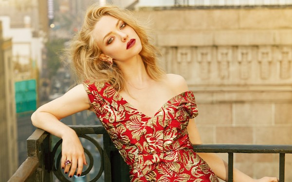 co-dao-da-tinh-da-tai-bac-nhat-hollywood-amanda-seyfried-giu-dang-bang-cach-nao4.jpg