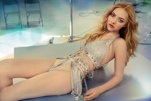 co-dao-da-tinh-da-tai-bac-nhat-hollywood-amanda-seyfried-giu-dang-bang-cach-nao6.jpg